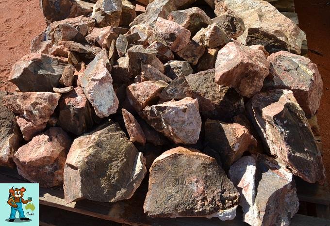 ボルダーオパール原石 ソーイング前