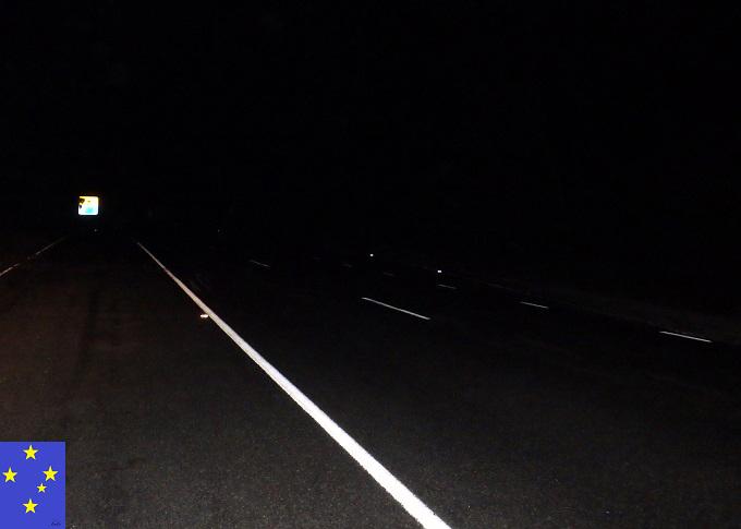 ボルダーオパール鉱山への道のり夜中の運転